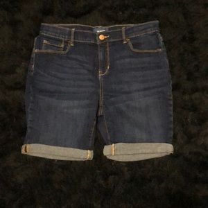 Old Navy high waisted cuff-rolled Bermuda shorts